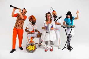 espetaculo-infantil-riante-do-circo-da-silva-musical-infantil-bilingue-e