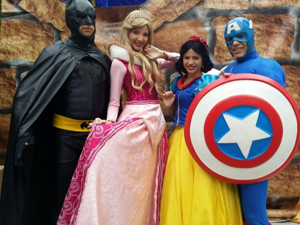 Princesas e Herois no Américas Shopping
